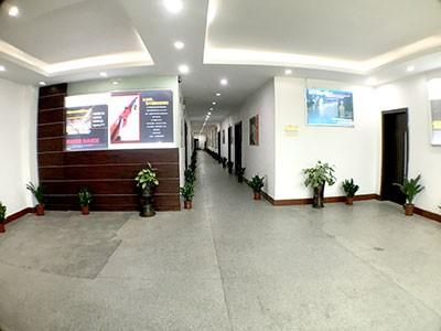 台冠-办公室走廊