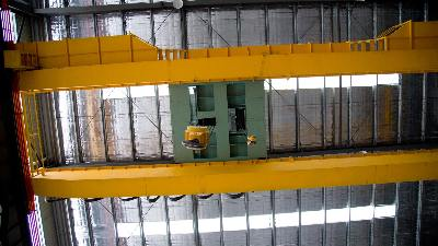 桥式起重机遇到供电故障时的处理措施有哪些?